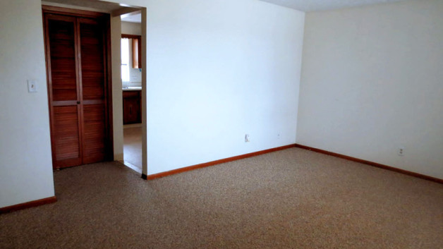 http://kearneyapartments.com/wp-content/uploads/2013/02/OpenRoom-628x353.jpg